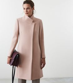 Women's Jackets, Winter Coats & Blazers for Ladies - Reiss Reiss Fashion, Blazer Fashion, Fashion Line, Trendy Fashion, Fashion Outfits, Womens Fashion, Fashion Brands, Fashion Shoes, Coats For Women