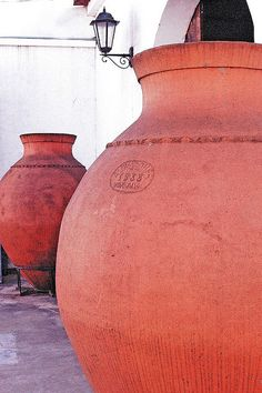 Amphorae Villa en Alentejo Portugal. Beautiful Olive Jars available at Melita's Home.