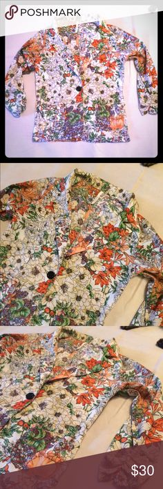 Thin floral blazer Silky and thin material make this great for layering--perfect for work with solid black cigarette pants😎 no size but best fits a small Chocolate Jackets & Coats Blazers