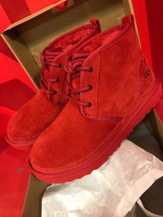 Converse, Vans, Cute Sneakers, Shoes Sneakers, Women's Shoes, Cute Uggs, Fluffy Shoes, Ugg Winter Boots, Red Ugg Boots