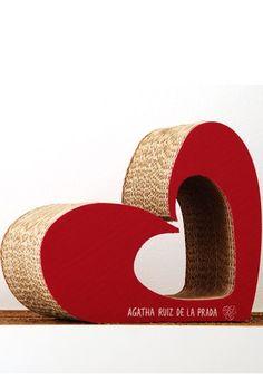"""Porta-oggetti in cartone: ecco il mini Love Agatha Ruiz de la Prada e Corvasce  - Mobili di cartone: il design si tinge di """"green"""""""