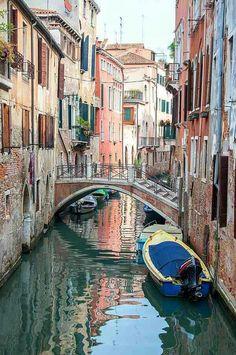 I love the Italian scenery.
