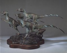 Stephen Czerkas - Deinonychus Jurassic Park Raptor, Jurassic Park World, Sculptures, Lion Sculpture, Dinosaur Drawing, Raptors, Bronze Sculpture, Science And Nature, Drawing Reference