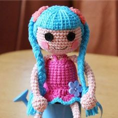 Lalaloopsy doll became a fashion brand and a favorite toy for many girls. In this post you will find a free Lalaloopsy Doll Amigurumi Pattern.