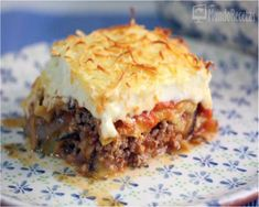 musaka de berenjenas y queso Musaka, Greek Recipes, Lasagna, Albondigas, Quiches, Queso, Ethnic Recipes, Foods, Recipes With Vegetables