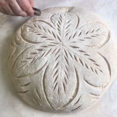 948 mentions J'aime, 26 commentaires – Niko Ambeliotis (@nikothebaker) sur Instagram : « Actual speed 🏃🏽‍♂️ . . . #pittsburgh #realbread #artisanbread #naturallyleavened #bbga #breadbosses… » Sourdough Recipes, Sourdough Bread, Bread Recipes, Bread Art, Bread Shaping, Savoury Baking, Artisan Bread, Bread Rolls, Daily Bread
