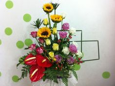 6 Gostos, 0 Comentários - Bich Ngoc (@hoatuoingoc) no Instagram Church Flowers, Ikebana, Floral Arrangements, Floral Wreath, Gardening, Wreaths, Instagram Posts, Home Decor, Flower Arrangements