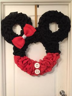 Minnie Mouse wreath or wall hanging by RKECreations on Etsy
