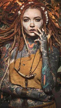 Mädchen | Aussehen Tätowierungen | Dreadlocks | Foto Mädchen | Aussehen Tätowierungen | Dreadlocks | Foto -  - #aussehen #Dreadlocks #Foto #MÄDCHEN #Tätowierungen Tattoo Girls, Body Tattoo For Girl, Body Tattoo Design, Full Body Tattoo, Girl Tattoos, Natural Dreads, Natural Hair Updo, Natural Hair Styles, Dreadlock Hairstyles