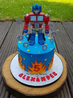 Transformers - cake by TortenbySemra Transformers Birthday Parties, Transformer Birthday, Transformer Cake, Rescue Bots Cake, Rescue Bots Birthday, 6th Birthday Boys, 5th Birthday Cake, Baby Birthday, Fondant Cakes