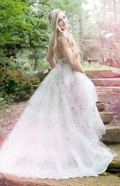 YolanCris gown