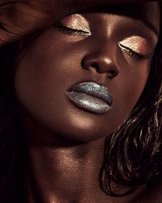 model duckie thot makeup foundation fenty beauty for dark skinned girls black women Glam Makeup, Pretty Makeup, Makeup Inspo, Makeup Inspiration, Makeup Looks, Eye Makeup, Hair Makeup, Runway Makeup, Brown Skin