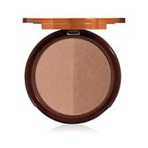 Four complementary shades are combined in this skin-perfecting bronzer to banish redness and rudiness, correct imperfections and add an all-over faux glow. #TooFacedSummer