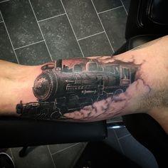 63 super Ideas for crazy training tattoo Daddy Tattoos, Weird Tattoos, Body Art Tattoos, Tattoos For Guys, Cool Tattoos, Zug Tattoo, Train Tattoo, Kids Jiu Jitsu, Tatto Sleeve