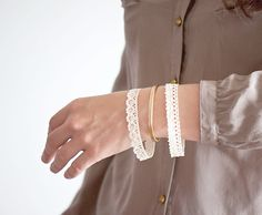 DIY lace bangles {Guest post by Clemence from Oh The Lovely Things}