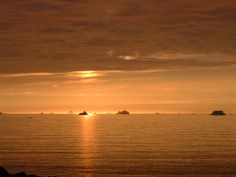 Midnight sun in NW Greenland, Nussuaq peninsula