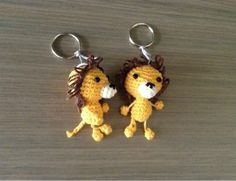 JulieGurumi, #haken, gratis patroon, Nederlands, leeuw, sleutelhanger Crochet Lion, Cute Crochet, Crochet Animals, Crochet Crafts, Crochet Toys, Diy Crafts, Crochet Keychain, Crochet Patterns Amigurumi, Learn To Crochet