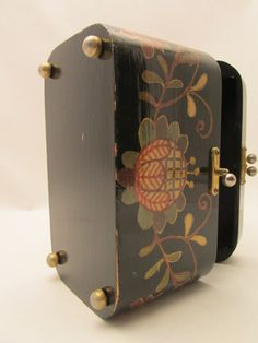 1950s wood decoupage purse jewelry box by Exiliovintage on Etsy