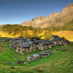 Crampiolo Village | The Alpe Devero belongs to a natural park situated in Lepontine Alps is the northern Ossola Valley Italy