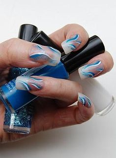 lovely nails design and reminds me of the coral blue sea<3