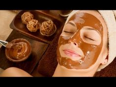 7 Amazing Homemade Face Masks All Brides Can Try To Detox Their Skin, Right Before Wedding Tired and dull face can add years to your face. Here are some natural detoxifying facial masks that can make you give glowing skin before your wedding. Chocolate Facial, Chocolate Face Mask, Chocolate Syrup, Best Homemade Face Mask, Diy Face Mask, Skin Detox, Les Rides, Before Wedding, Homemade Facials