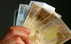 Επιδόματα Τέλος: Ποιοι τα χάνουν σε ποιους Μειώνονται Financial News, Investing, Personalized Items, Blog, Jars, Blogging