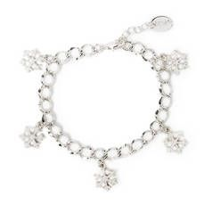 We love how versatile this bracelet is - winter or holidays, it goes with any outfit!