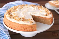 Hungry Girl's First-Rate Frosted Carrot Cake- use SF cake mix and alter some ing. for low carb. Ww Recipes, Cake Recipes, Dessert Recipes, Skinny Recipes, Recipies, Ww Desserts, Healthy Desserts, Healthy Recipes, Healthy Foods