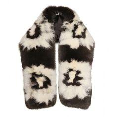 Miu Miu Fur Stole (€4.490) ❤ liked on Polyvore featuring accessories, scarves, miu miu, nero, white scarves, fur stole, shibori scarves, white fur stole and white shawl
