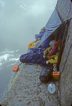 ROCK CLIMBING, Yosemite, El Capitan. Jay Jensen Doug Robinson (MR) in rainy bivouac halfway up Nose route during February, 1978.