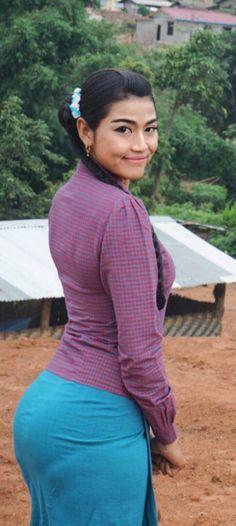 Burmese Girls, Prity Girl, Myanmar Women, Curvy Girl Outfits, Attractive Girls, Cute Asian Girls, Beautiful Asian Women, Asian Woman, Asian Beauty