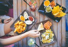5 food-salad-restaurant-person-min (1280x888)
