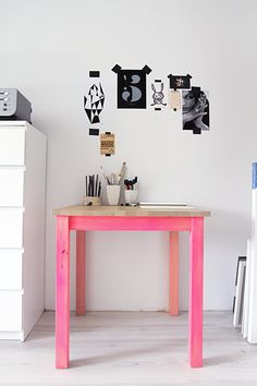 Bright legs for a drawing table. Do this with the supports of my table when it comes home. Painted Furniture, Diy Furniture, Dipped Furniture, Antique Furniture, Sweet Home, Pink Table, Pink Desk, Black Table, Diy Casa