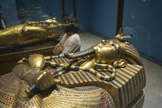King Tut's coffin to be restored for the first time since it was discovered – FOX 4 Kansas City WDAF-TV King Tut Curse, Statues, The Boy King, King Tut Tomb, Egypt News, Archaeological Discoveries, Valley Of The Kings, Pyramids Of Giza, Expositions