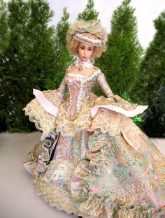 soo not me, but thought some in the wider AG/play doll hobby would like this Vintage Gowns, Vintage Outfits, Vintage Fashion, Barbie Celebrity, Doll Costume, Costumes, Doll Display, Barbie Friends, Barbie World