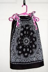 15-minute dress with 2 bandanas and ribbon...I think I could do this?!