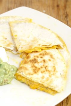 Cheese Quesadillas with Copycat Taco Bell Quesadilla Sauce tastes JUST like the original. From a former Taco Bell worker and current Taco Bell Quesadilla addict. Makes a quick and easy appetizer or di (Mexican Desert Recipes Taco Bells) Taco Bell Quesadilla Sauce, Quesadilla Recipes, Chicken Quesadillas, Flatbread Recipes, Taco Bells, Copycat Recipes, Sauce Recipes, Cooking Recipes, Shrimp Recipes