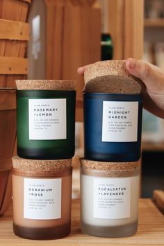🤔 Take our ✨Perfect Match Quiz✨ to find out which Slow North candle scent fits you best! Rustic Candles, Luxury Candles, Best Candles, Soy Candles, Romantic Candles, Yankee Candles, Candle Packaging, Candle Labels, Candle Jars