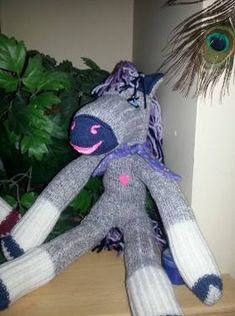 One day I was scrolling thru things to make for my grandson for Christmas. I came across this cute sock horse that was make just like a sock monkey. Now that Christmas is almost upon us I figured… Sock Monkey Pattern, Sock Monkey Baby, Sock Snowman, Butterfly Quilt, Animal Sewing Patterns, Sock Toys, Pet Pigs, Sock Animals, Cute Socks