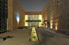 Built by Legorreta + Legorreta in Doha, Qatar with date 2011. Images by Yona…