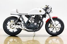 Lossa Engineering builds super-clean cafe racers, and none cleaner than this sleek Yamaha SR500.
