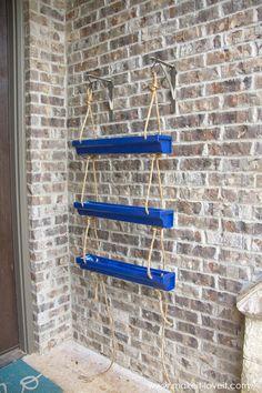 Wow check out this hip rain gutters - what a very creative type Blue Spray Paint, Gutter Garden, Diy Hanging Planter, Outdoor Garden Decor, Bottle Garden, Porch Decorating, Garden Projects, Home Crafts, Garden Design