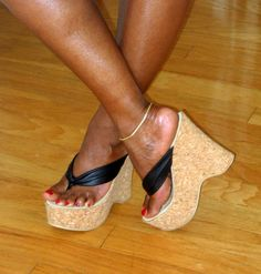 Steve Madden thongs Very High Heels, Hot High Heels, Platform High Heels, High Heel Boots, Wedge Heels, Sexy Sandals, Bare Foot Sandals, Sexy Heels, Casual Heels