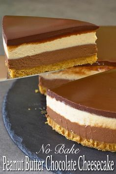 If you're a fan of Reese's peanut butter cup then you should really try this peanut butter and chocolate no bake cheesecake. The combination of nutty peanut butter with decadent chocolate and that slight touch of saltiness is just wonderful. No Bake Desserts, Just Desserts, Delicious Desserts, Dessert Recipes, Yummy Food, Baking Desserts, Health Desserts, Lunch Recipes, Breakfast Recipes