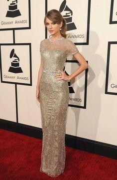 Taylor Swift en la alfombra roja de los Grammy 2014