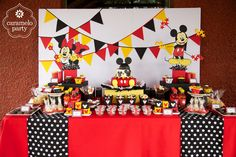 Mickey an Minnie Mouse Party by http://carameloparty.blogspot.com/#