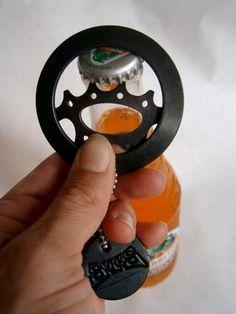 Dessertpin - Recycled bike gear bottle opener by steeltoestudios on Etsy Metal Projects, Welding Projects, Bicycle Art, Recycled Bottles, Bike Design, Diy Cleaning Products, Handmade Art, Metal Working, Bottle Opener