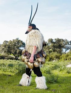 European Pagan Ritual Costumes: 'Wild Man' by Charles Freger. These photos are astonishing. Karl Valentin, Charles Freger, News Fashion, Style Ethnique, Creative Costumes, French Photographers, Folk Costume, Man Photo, Bored Panda