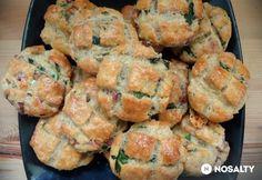 Medvehagymás-sonkás pogácsa Hungarian Food, Hungarian Recipes, Cookies, Chicken, Meat, Ethnic Recipes, Biscuits, Hungarian Cuisine, Cookie Recipes