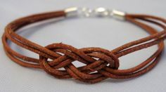 2016 Challenge, February Tie a sailor's knot (Josephine Knot) and turn it into a bracelet. Free tutorial